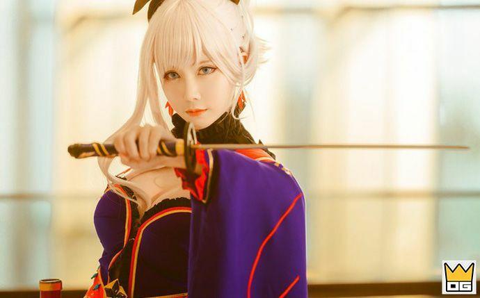Cosplay nàng Saber trong Fate/Grand Order đẹp ngất ngây